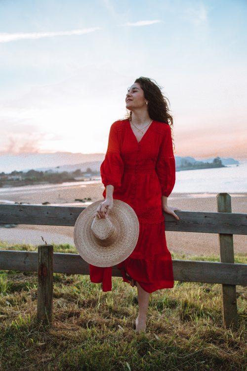 vestido rojo atardecer